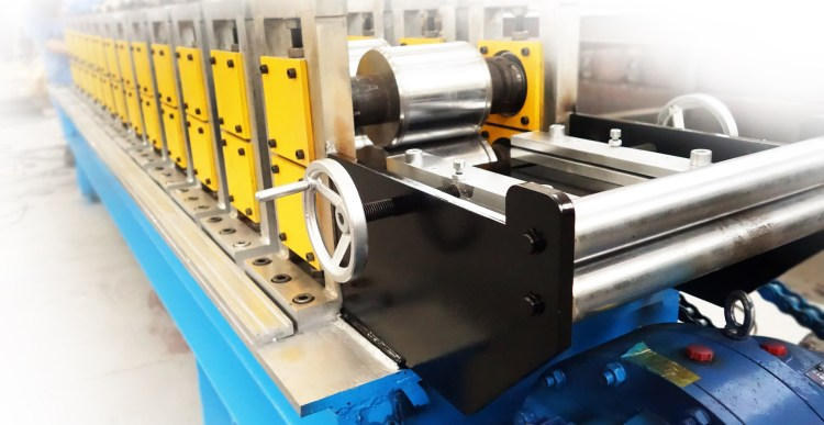 rolling shutter roll forming machine