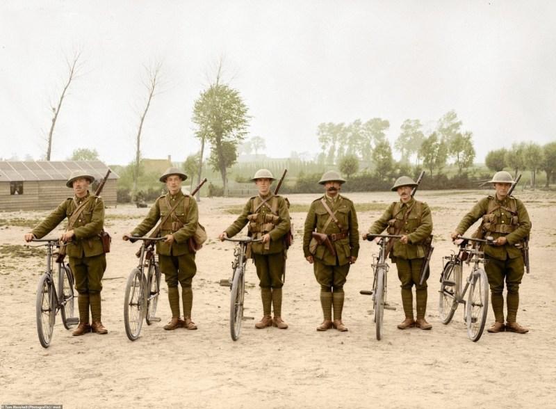 Канадские курьеры на велосипедах архивное фото, колоризация, колоризация фотографий, колоризированные снимки, первая мировая, первая мировая война, фото войны