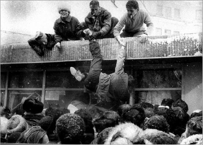 Десант в магазин, конец 1980–ых годов история, события, фото