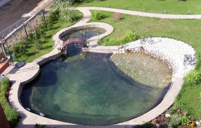 Правильно оформление купальни в саду - задача для настоящих профессионалов.