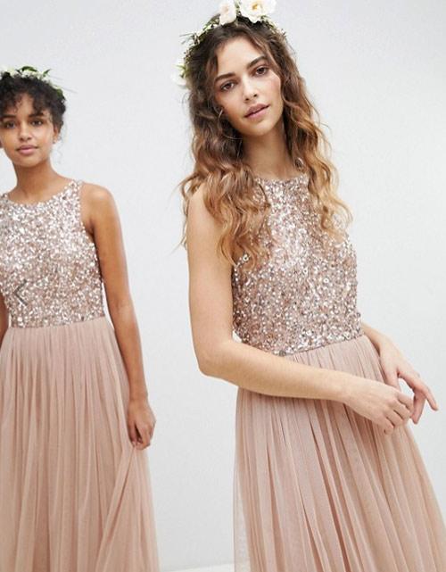 ca06db6541f2ee5 Платье на Новый год 2019: 9 трендов сезона и чуть-чуть астрологии ...