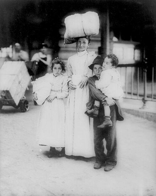 Еще итальянцы, 1910 америка, иммигранты, исторические фото, история, остров Эллис, факты