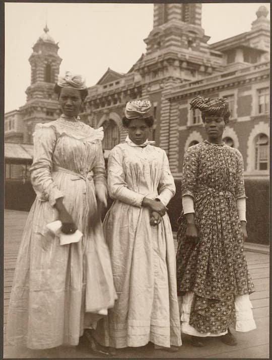 Дамы из Гваделупы америка, иммигранты, исторические фото, история, остров Эллис, факты