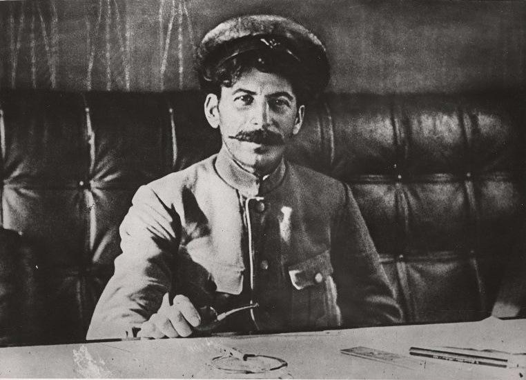 Сталин до смерти Ленина.