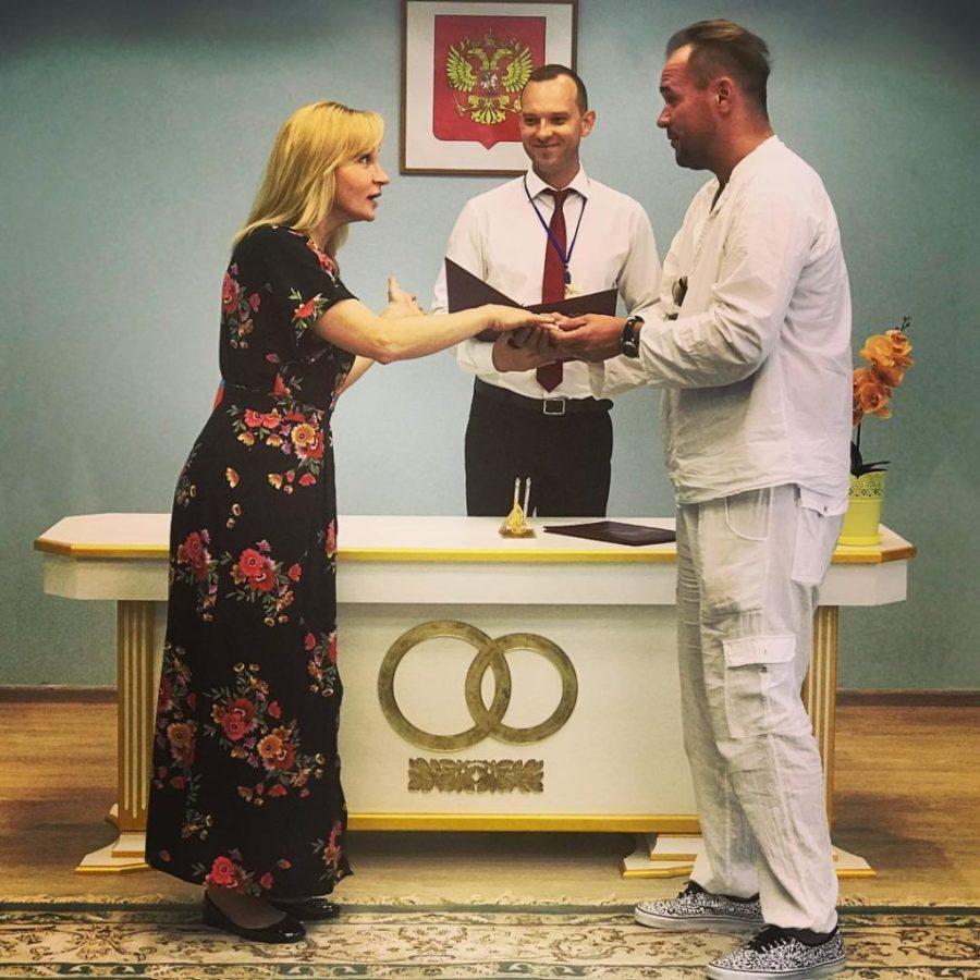 Личная жизнь и ориентация Максима Аверина: почему актер тщательно скрывает свои любовные похождения