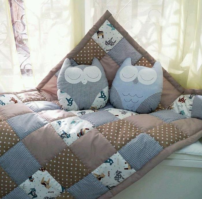 Стеганное одеяло в стиле печворк - отличная идея использования старых простыней