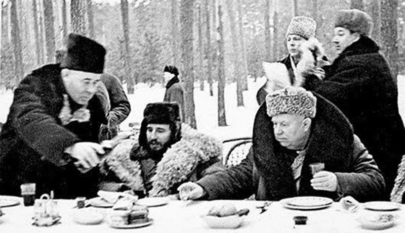 Самые нестандартные способы потребления водки в СССР СССР, водка, потребление, способ