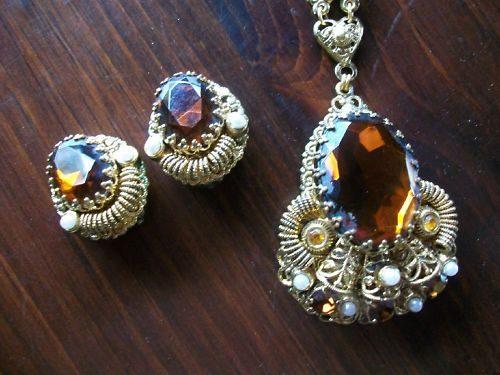 Какие украшения привлекают удачу и деньги. Кольца, серьги, броши, цепочки, камни