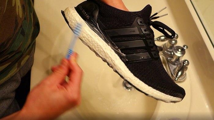 Возвращаем нормальный вид побитых жизнью кроссовкам
