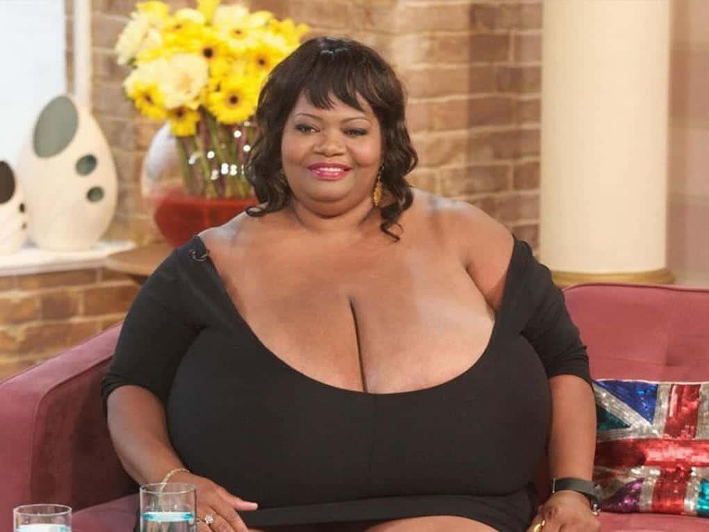 Женщина с самой большой натуральной грудью