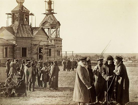 Сбор казаков на хуторе Гнутовом Есауловской станицы