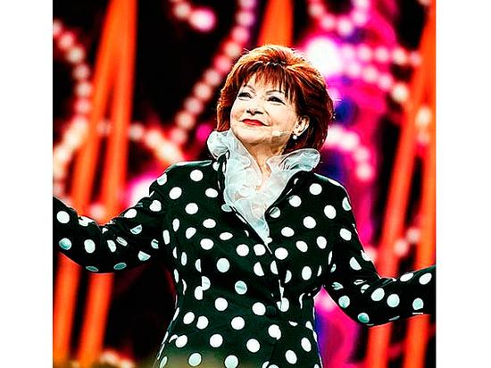 Экс-артистка шоу Петросяна поведала тайное: «Еленой Степаненко движет обида одинокой дамы»
