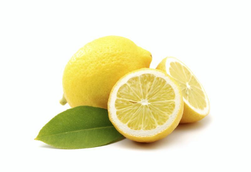Лимон - источник витамина С.