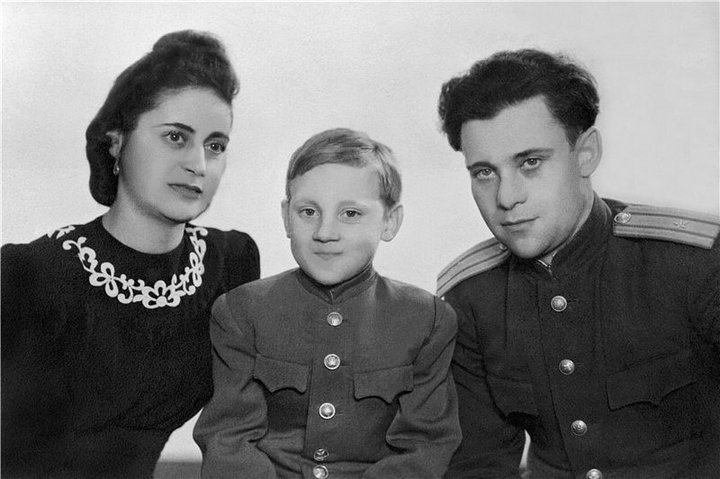 Владимир Высоцкий в детстве. Фото