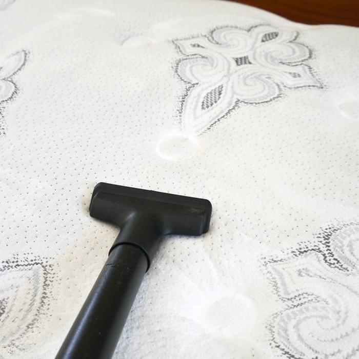 Быстро и просто: чистим матрас