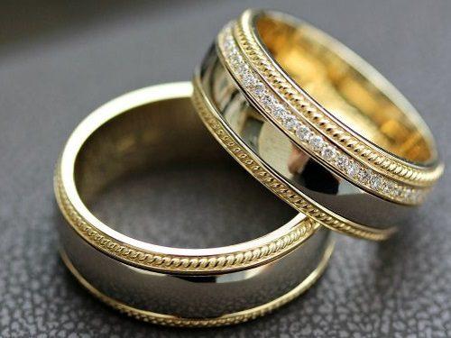 Ритуалы с кольцом в день свадьбы: привлекаем счастье и достаток в семью