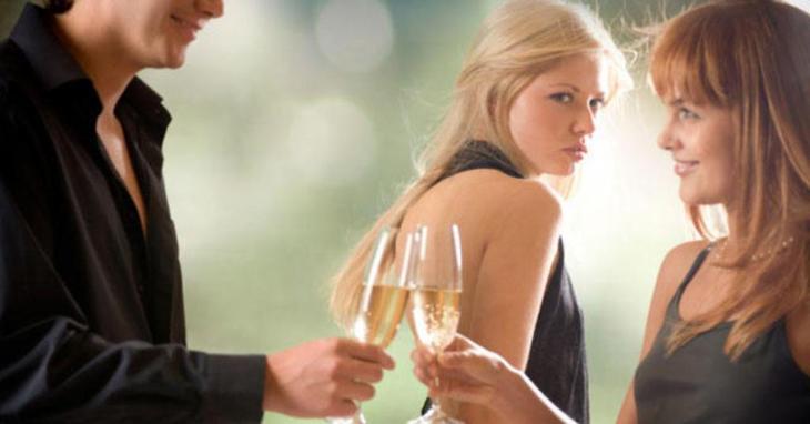 как избавиться от завистливой подруги