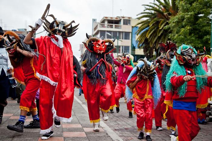 Праздник Диаблада де Пилларо – Амбато, Эквадор