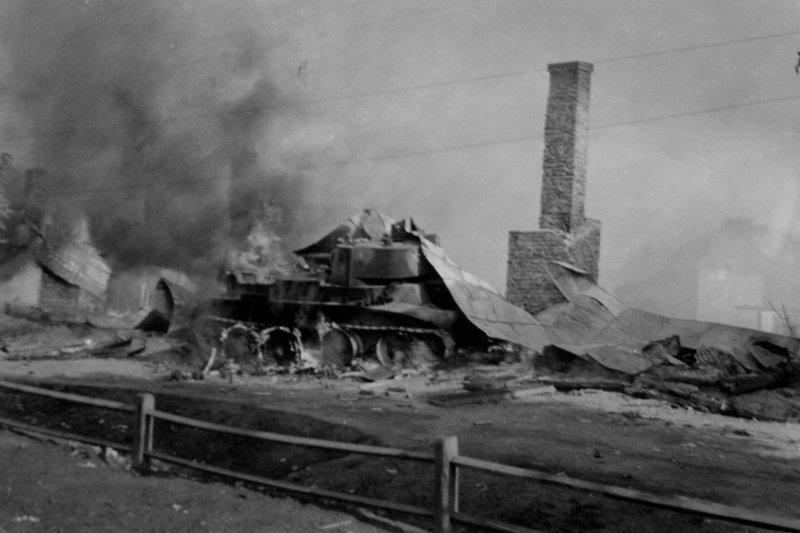 По фотографии горящего танка историки-энтузиасты восстановили подвиг Егора Игнахина СССР, война, история