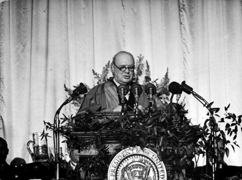 Внезапно: за «зажигательным оратором» Черчиллем скрывался «военный преступник и тупой империалист» англасаксонская мразь, история, факты
