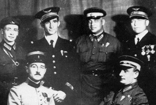 Как французский десантник русскому блок «Marlboro» проспорил