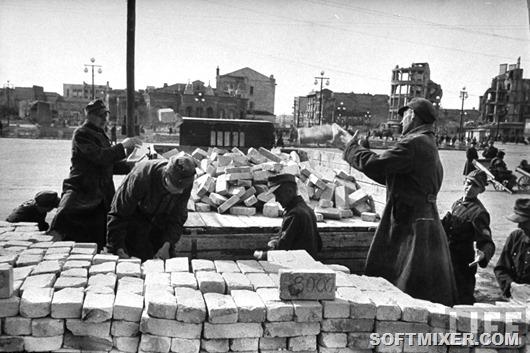 Пленные немцы на стройке после войны
