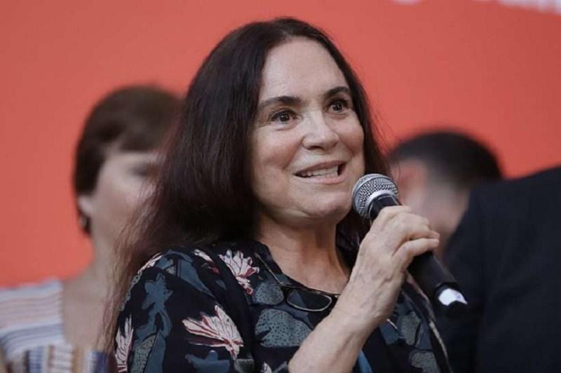 Resultado de imagem para Bolsonaro convida Regina Duarte para Secretaria de Cultura
