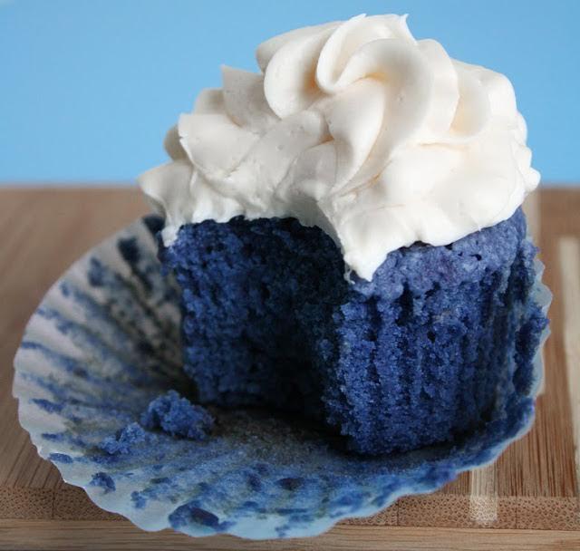 Blue Velvet Cupcake In Montreal