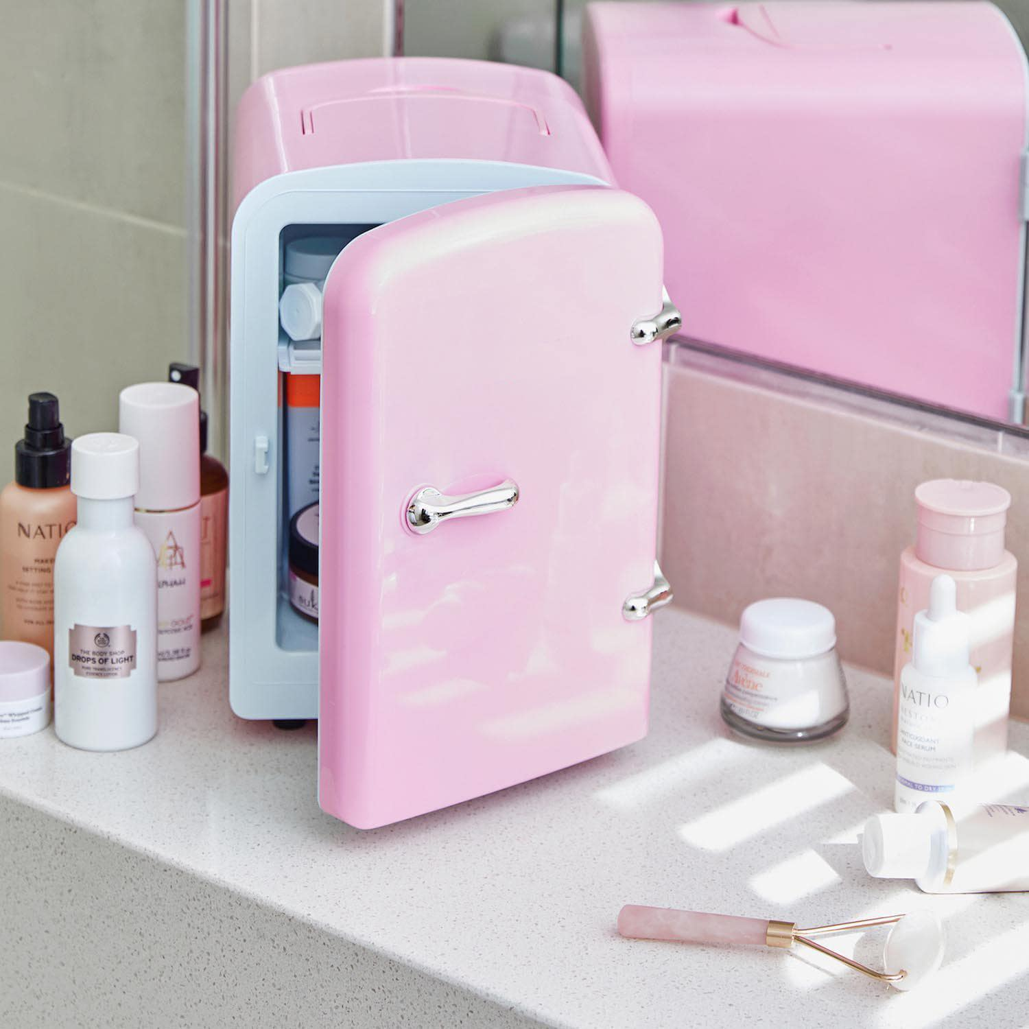 The importance of a skincare beauty fridge for makeup artists