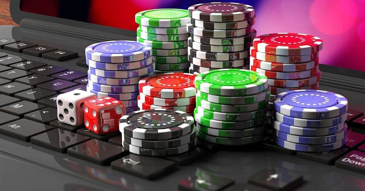 How is online gambling different in the U.S. and Canada?