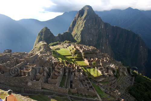 """""""The Face"""" peering over Machu Picchu"""