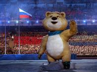 Salah Satu Maskot Yaitu Polar Bear (Beruang Kutub) Beraksi Pada Pembukaan Olimpiade Musim Dingin Di Sochi, Rusia. (Sumber : http://www.sochi2014.com/en/photos)
