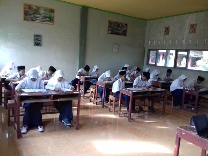 Jadwal Ujian Semester Ganjil MTs Birrul Walidain NW Rensing Tahun Pelajaran 2016/2017