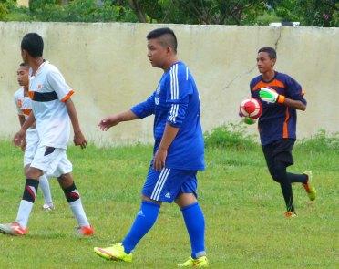Hamdan Beleng (menguasai bola)