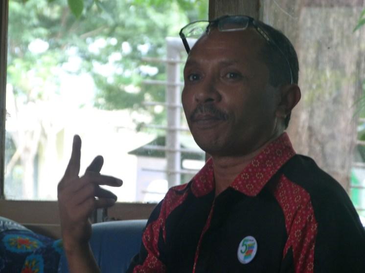 Kepala MTsN Kalabahi Drs. Mansur B. Sama, M.Pd