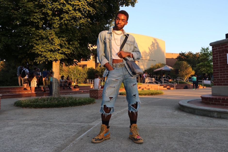Breamon Daniel shows off his style on MTSU's campus in Murfreesboro, Tenn. on Tuesday, October 4, 2016. (MTSU Sidelines/ Aliyah Lyons)