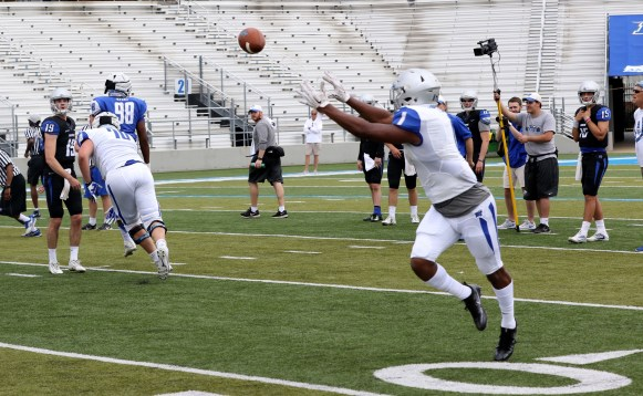 Quarterback John Urzua throws a short pass to Shane Tucker during the Blue-White Spring Finale at Floyd Stadium on April 15, 2017. (MTSU Sidelines/Tyler Lamb)