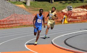 Sampson Laari running a relay at the Tennessee Relays in Knoxville, TN on April 8, 2017. (MTSU Sidelines/Jonathan Clark)