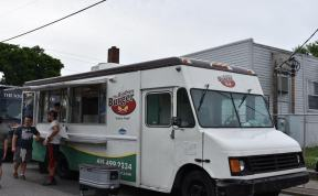 Local food trucks support 6-1-5 Day. (Genesis Rodriguez / Sidelines)