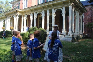 Audrey Creel directs children in the right direction for their tour of at Oaklands Mansion's Autumn in the Oaks Educational Field Day in Murfreesboro, Tenn. on September 21, 2017. (Shade Narramore / MTSU Sidelines)