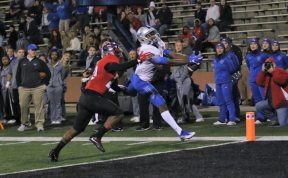 Senior Patrick Smith hauls in a touchdown catch against Western Kentucky in Bowling Green, Ky. on Nov. 17, 2017. (Devin P. Grimes / MTSU Sidelines)