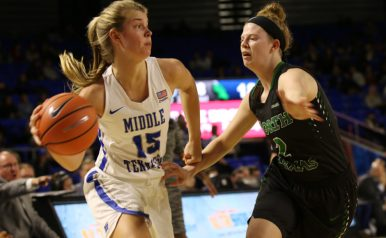 Freshman Anna Jones continued her hot streak by scoring a game-high 15 points against North Texas on Jan. 18, 2018, in Murfreesboro, Tenn. (Joi Williams / MTSU Sidelines)