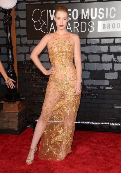 La alfombra roja de los VMAs 2013 - La rapera Iggy Azalea de Emilio Pucci