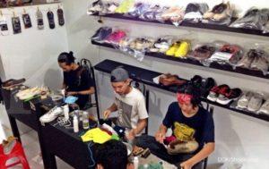 Peluang Usaha Laundry Sepatu 300x189 - Peluang Usaha Laundry Sepatu