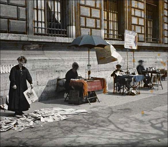 Petits mètiers, 1918, Place de la Réplublique (Albert Kahn archive)