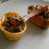 Terrinas de lentejas con plátano frito y paté de pato al armagnac