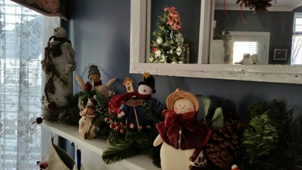 christmas mantel 4