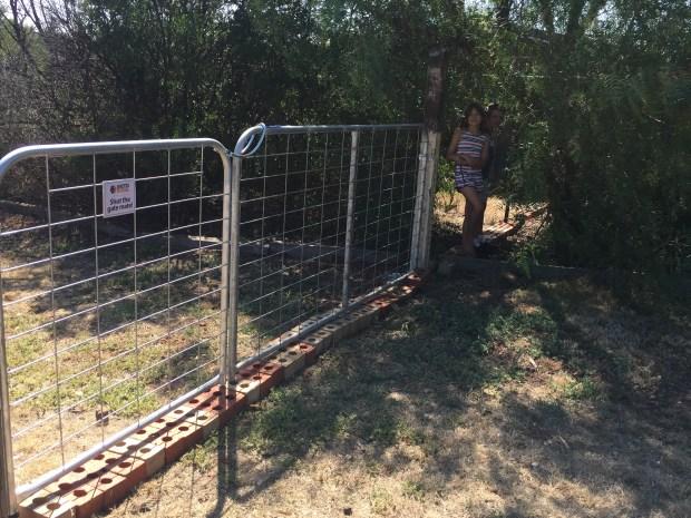 Free - truck gate