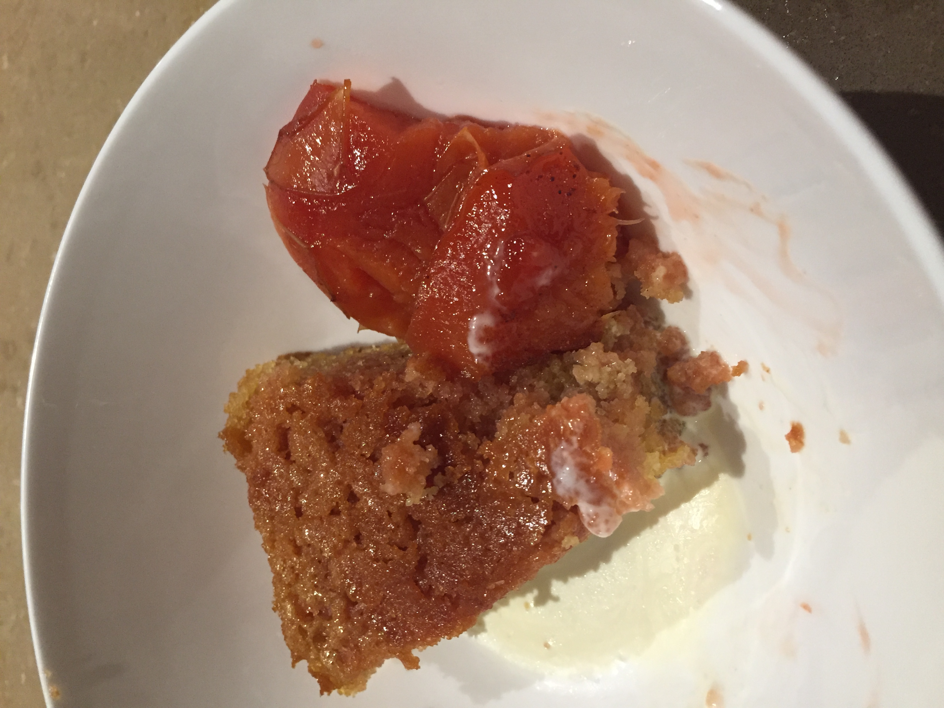 Quince – roasted with semolina cake