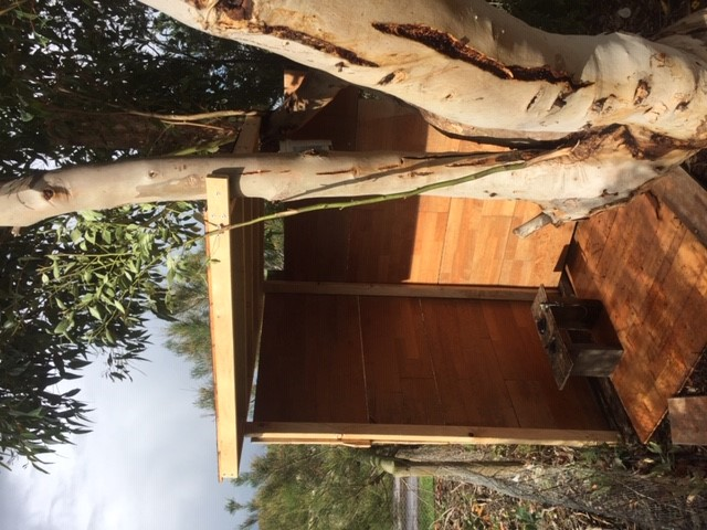 Compost cubby